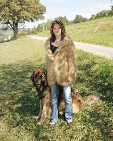 Люди в свитерах из собачьей шерсти