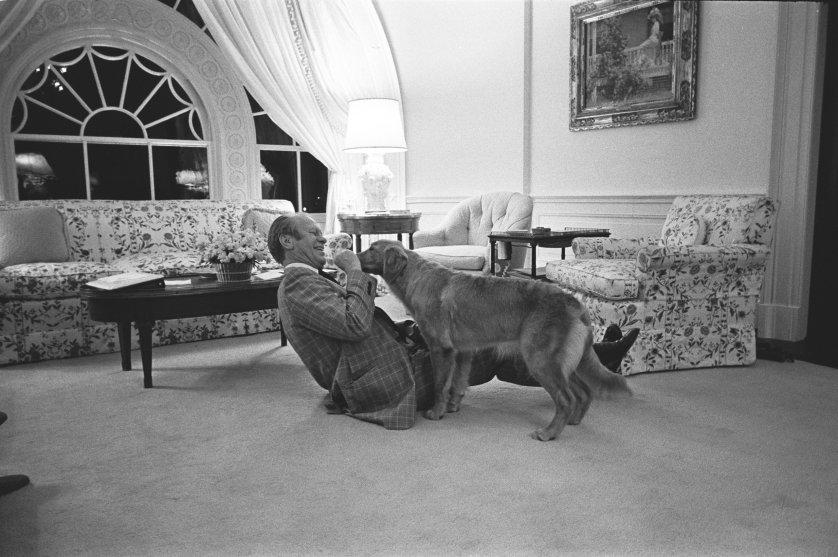 Джеральд Форд и его золотой ретривер Liberty