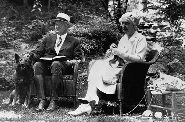 Президент Герберт Гувер с овчаркой