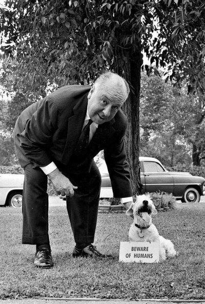 Альфред Хичкок с собакой